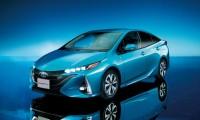 新型プリウスPHV 燃費は37.2km/Lで発売開始!早速人気で価格や納期はどうなる!
