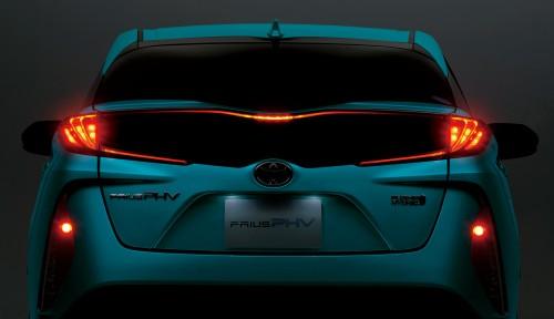 トヨタ プリウスPHV 新型 2017年