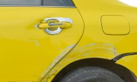 車買取や車の下取りで傷やへこみは査定額にどれくらい影響する?
