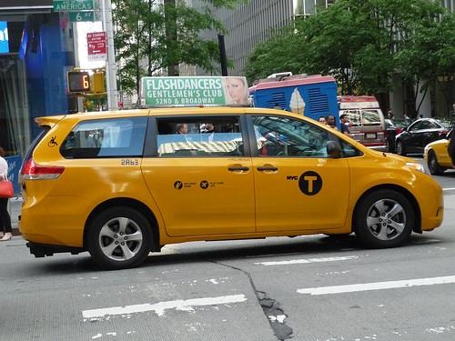 トヨタシエナ タクシー