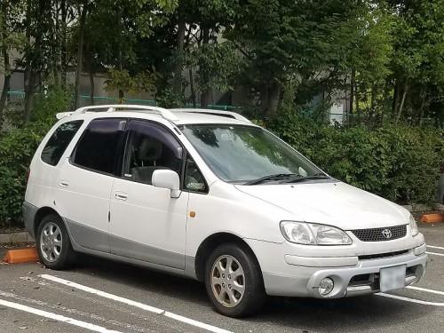 トヨタ・カローラスパシオ(初代)