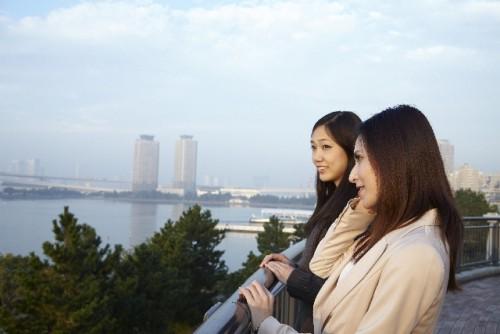観光 旅行 女性