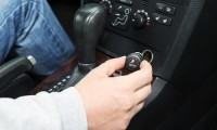 車のシガーソケットからヒューズが!故障時の修理などの対応3ステップ