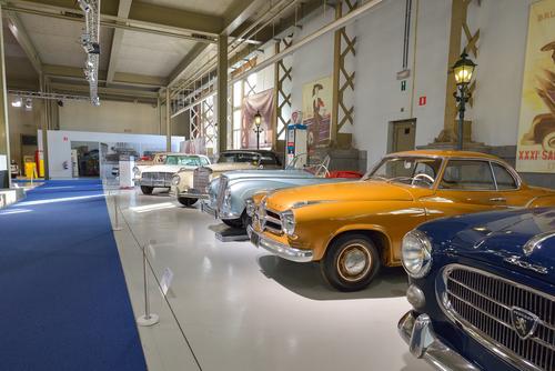 クラシックカー 博物館 展示