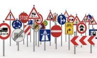 【面白い】交通安全標語一覧から厳選した作品10選|スローガンとして面白い!
