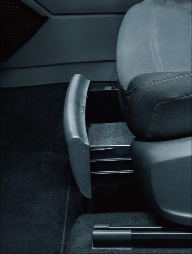 新型VWゴルフトゥーラン 収納