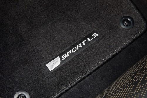 LS500 F SPORT 内装