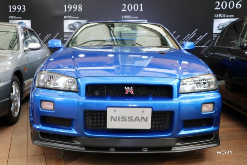 10代目 日産スカイライン GT-R V・スペックII BNR34 2000年