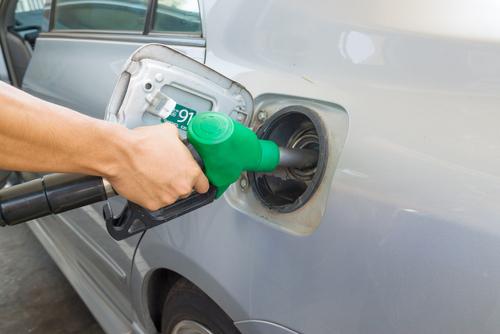 ガソリンスタンド 給油 燃費