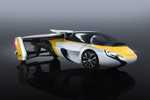 空飛ぶ車 Aero Mobil