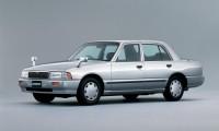 【日産クルーはドリフト車】実燃費や性能からカスタム&チューニングについても