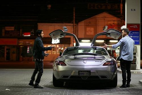 メルセデスベンツ SLS AMG 給油