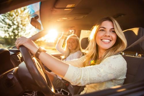 運転 女性ドライバー
