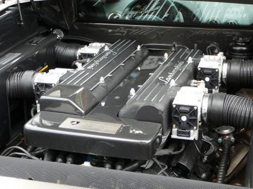 ランボルギーニ ムルシエラゴ V型12気筒エンジン