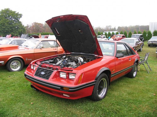 82年型フォード・マスタングGTターボ