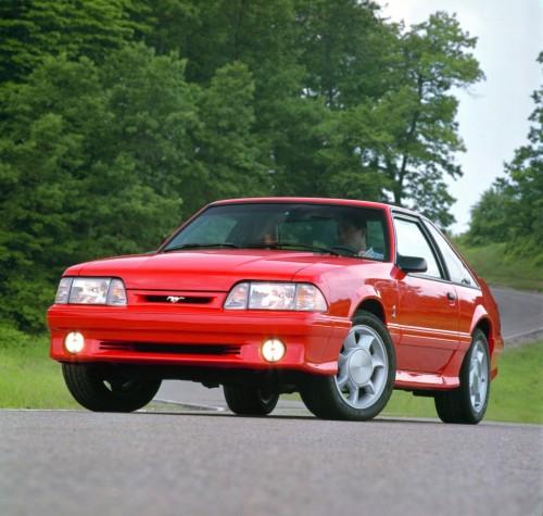 93年型フォード・マスタングSVTコブラ