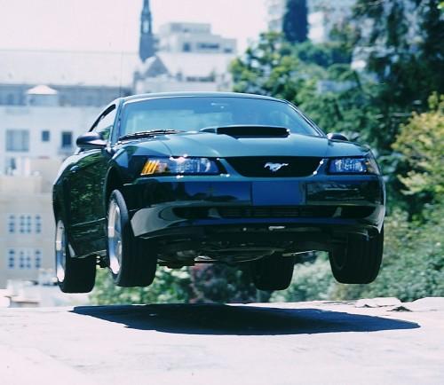 01年型フォード・マスタング・ブリット