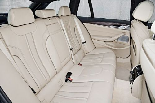 BMW 5シリーズツーリング 530d Touring Luxury 2017