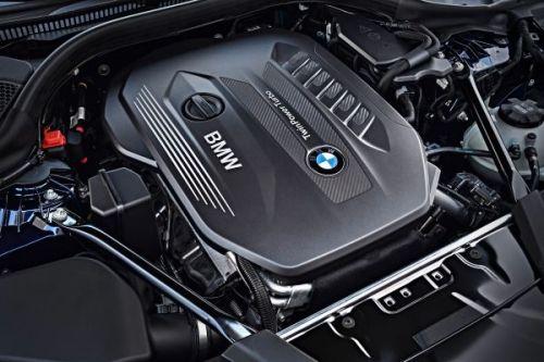 BMW 5シリーズツーリング エンジン 2017