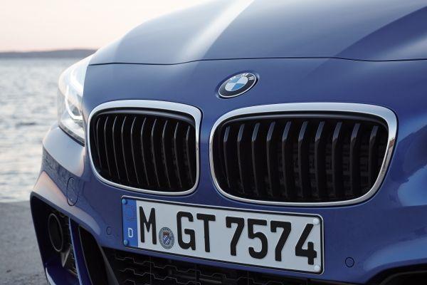 BMW 2シリーズ グランツアラー 220i
