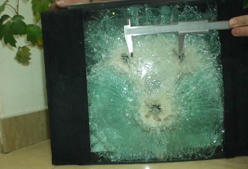 防弾ガラス