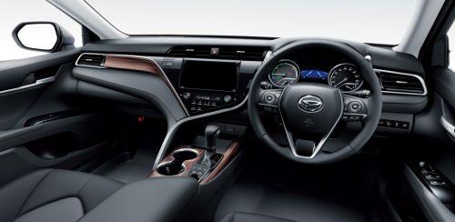 2017 新型 アルティス 内装 運転席