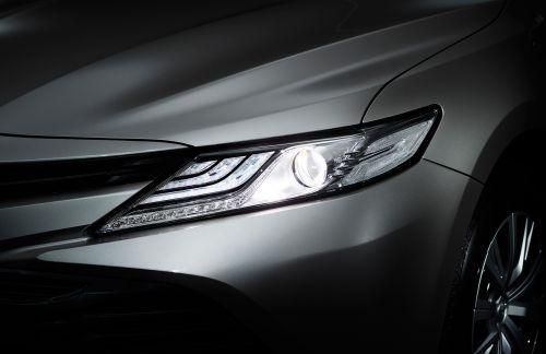トヨタ カムリ フルモデルチェンジ 2017 Bi-Beam LEDヘッドランプ (オートレベリング機能付) +LEDクリアランスランプ +LEDデイライト