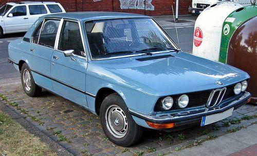 BMW 5シリーズ 初代