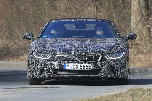 BMW i8 スパイダー