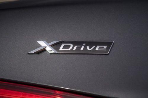 BMW XDrive ロゴ