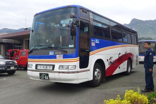 熊本地震で安倍首相が利用したバス