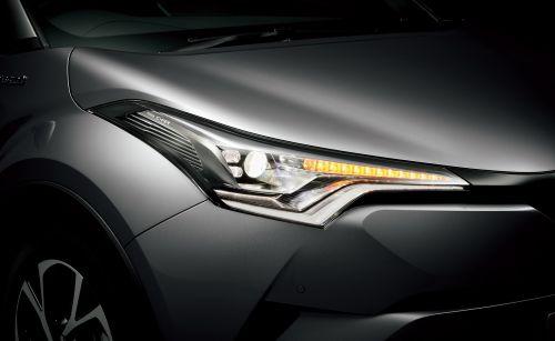 トヨタ C-HR LEDシーケンシャルターンランプ