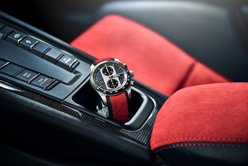 ポルシェ 新型 911 GT2 RS 限定クロノグラフ