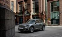 新型MINI ONEクロスオーバー10月5日発売開始!価格やボディサイズと燃費は?