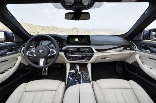 BMW 5シリーズ セダン 2017