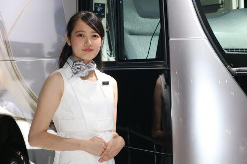 三菱ふそう 東京モーターショー2017 コンパニオン