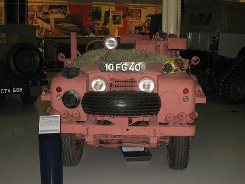 ランドローバーシリーズ1 ピンクパンサー