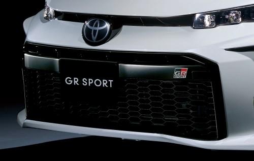 トヨタ プリウスPHV GRスポーツ 専用アッパーグリル+大開口ロアグリル
