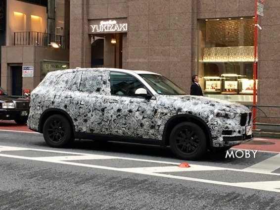 BMW X5と思われるテスト車両2