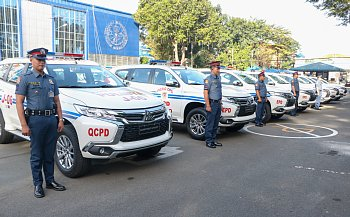 フィリピン警察 パジェロスポーツ