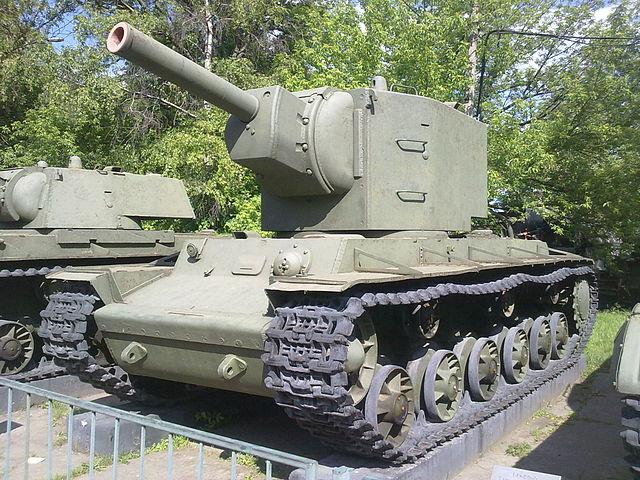 戦車 KV-2