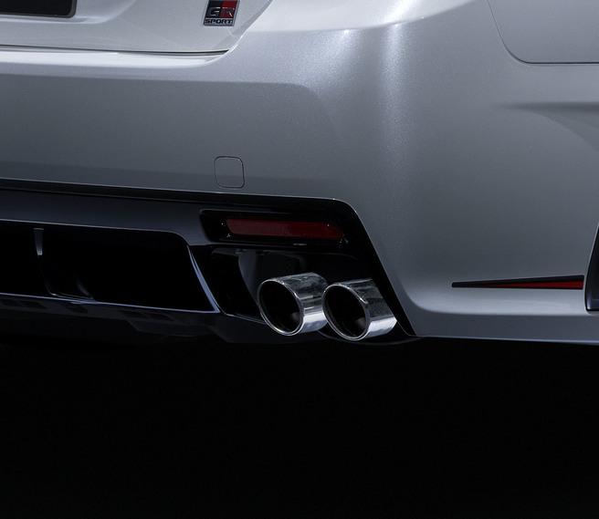 トヨタ マークX GRスポーツ 4本出しマフラー 2017年