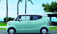 ホンダ新型N-BOXスラッシュがマイナーチェンジ!価格や燃費など変更点は?