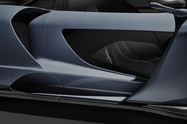 新型マクラーレン・セナのボディサイド