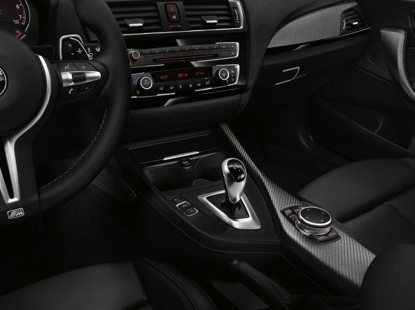 BMW M2クーペ 内装 2015