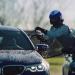 【動画】ドリフト中に給油する方法がやばい!BMW M5が奇策でギネス記録達成