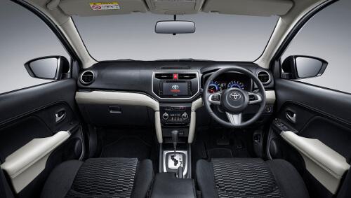 トヨタ新型ラッシュ内装