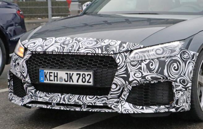 アウディ 新型 TT-RS スパイショット 2018
