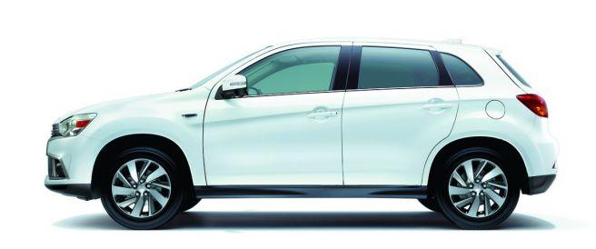 三菱 RVR ホワイトパール