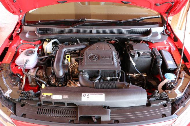 新型ポロのエンジン